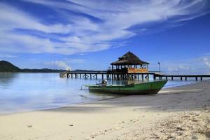 Pantai-Ora-Maluku-Tengah